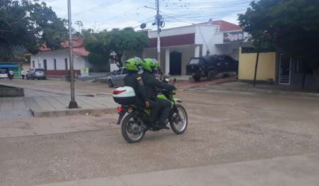dos uniformados heridos en San Juan Nepomuceno