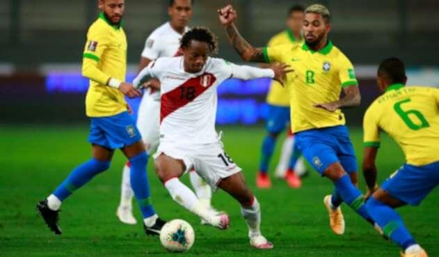 Selección de Brasil - Selección de Perú