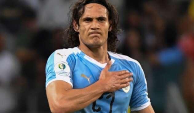 La prensa inglesa da como un hecho la llegada del futbolista uruguato al Manchester United.