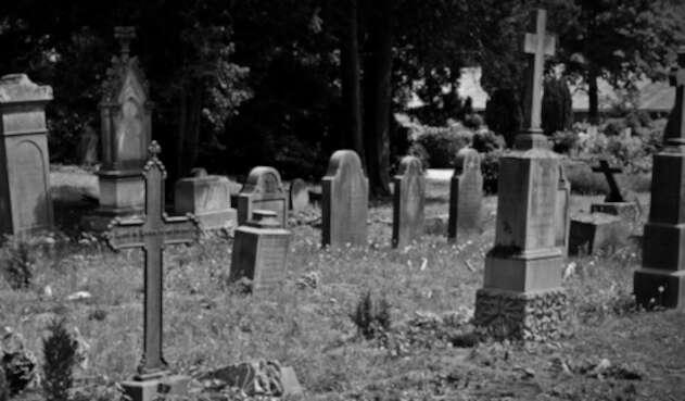 Cementerio - tumba