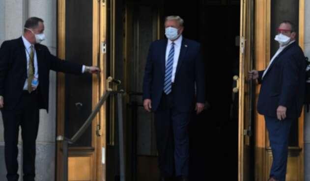 Donald Trump sale del hospital