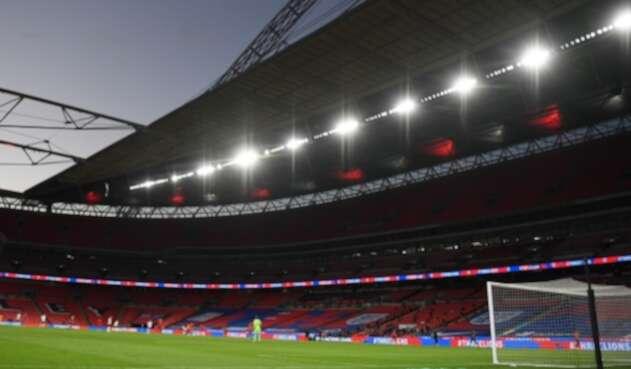 Estadios de fútbol vacíos por pandemia