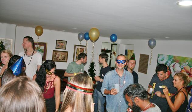 Fiesta de Juan Luis con extranjeros