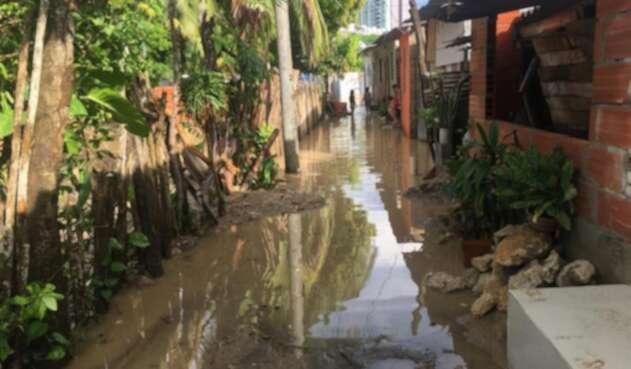 Vecinos reclaman apoyo de las autoridades