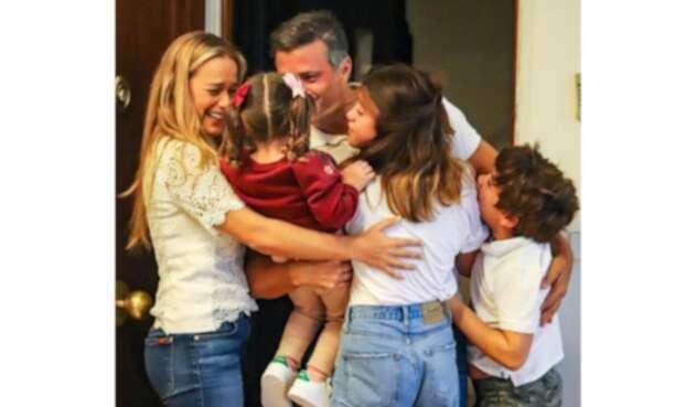 Leopoldo López al reunirse con Lilian Tintori y sus hijos