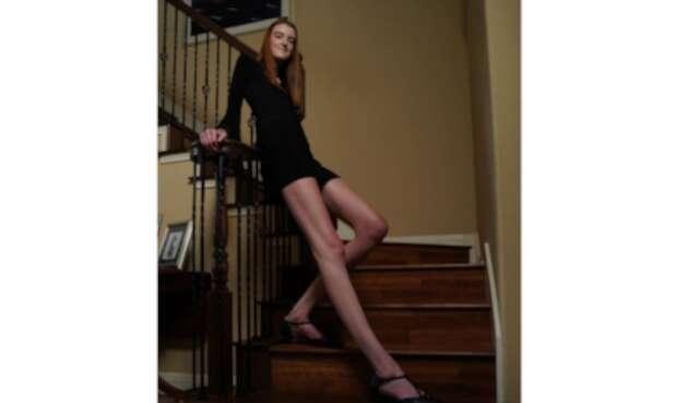 MaciCurrin, la mujer con las piernas más largas