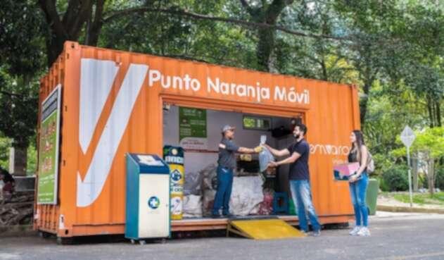 Puntos naranjas de la Ruta Recicla en Medellín.