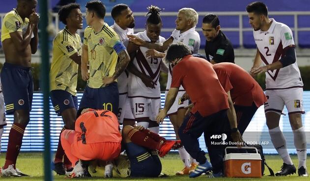 Santiago Arias y la dura lesión