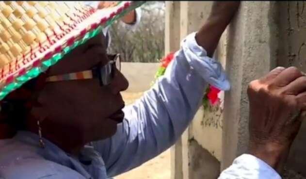Sonia Bermúdez, sepulturera reconocida por la ONU.