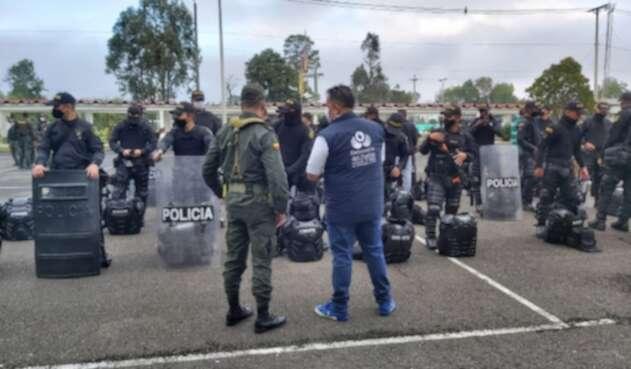 Defensoría del Pueblo inspecciona los elementos del Esmad previo al paro nacional