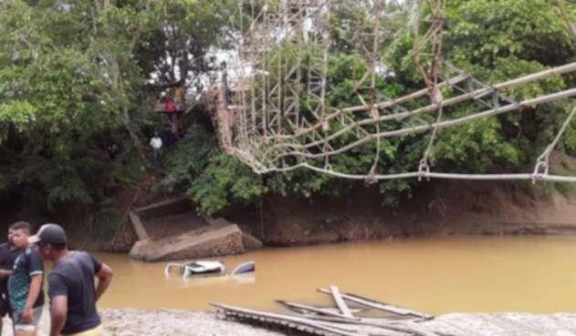 Así quedó el colapsado puente en Necoclí, Antioquia.