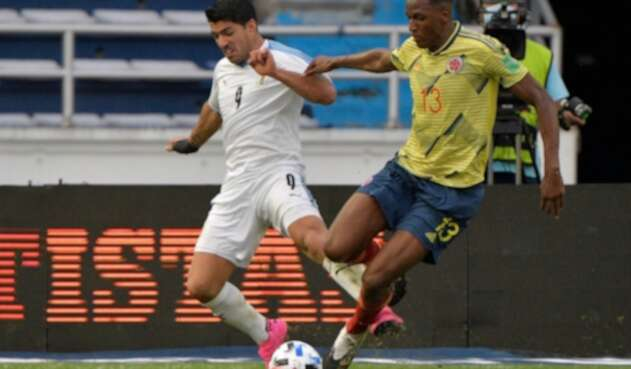 Yerry Mina - Luis Suárez - Selección Colombia