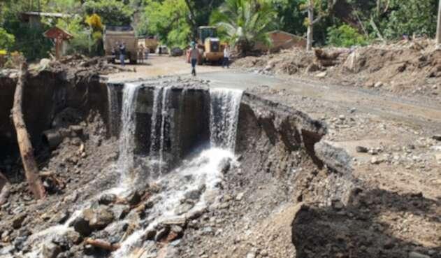 Aprovechando el buen clima, adelantan las labores de rescate y remoción de escombros.