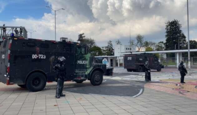 Tanquetas del Esmad en disturbios en la Nacional