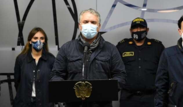 Iván Duque, presidente de Colombia, dando un balance del huracán Iota