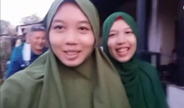 Treni Mustika y su hermana Trena