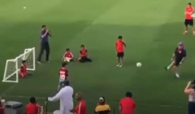 Gol de Maradona a niño sin piernas