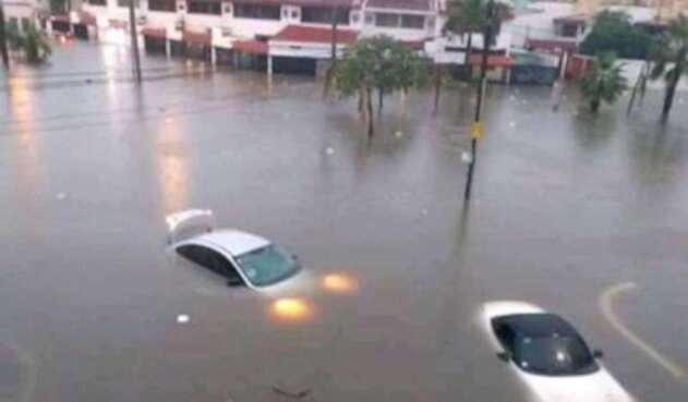 Inundaciones por tormenta lota provoca emergencia pública en Cartagena