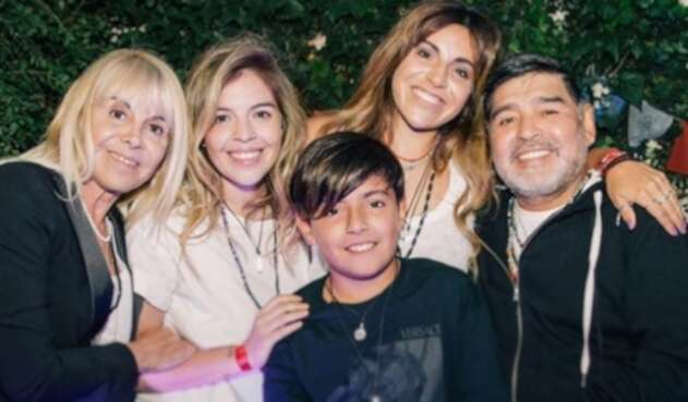 Maradona y su ex esposa Claudia