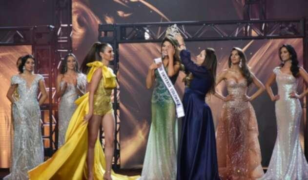 Coronación de Laura Olascuaga como Miss Universe Colombia