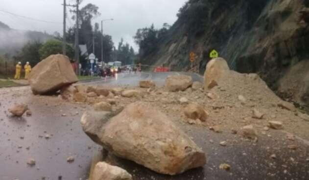 Caída de rocas vía La Calera