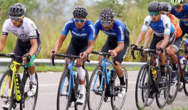 Team Medellín en la Vuelta a Colombia