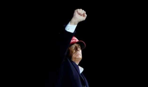 Donald Trump en acto de campaña en Florida