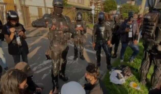 [Video] Menor en la marcha asegura que el Esmad le dio patadas en el rostro