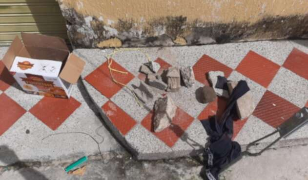 La caja fue abandonada en una calle de Sabanagrande.