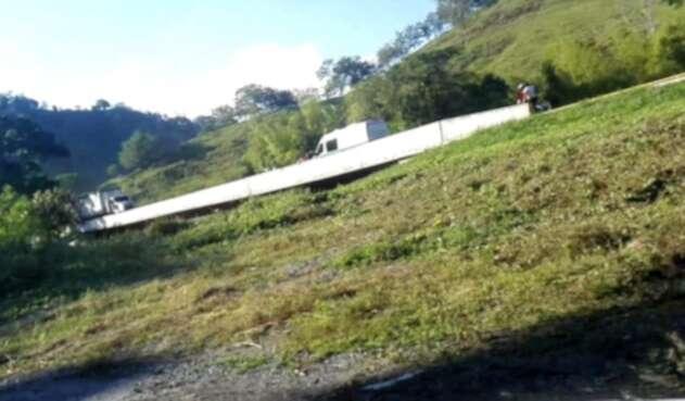 Una posible pérdida de control del motociclista, causa del accidente según las autoridades.