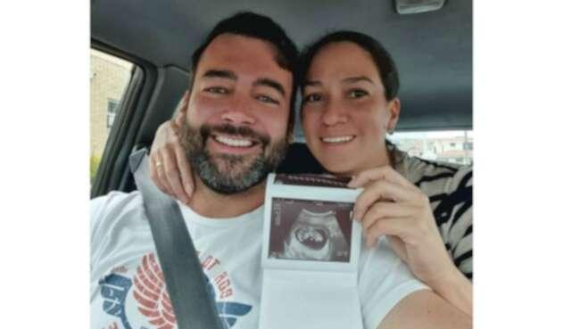 Juan Pablo Obregón y su esposa