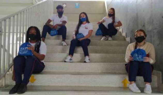 Retorno a clases en Medellín bajo el modelo de alternancia.