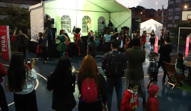 Novenas navideñas al aire libre en Bogotá