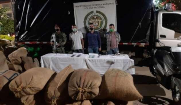 Capturan tres personas por la retención de doce campesinos en Antioquia.