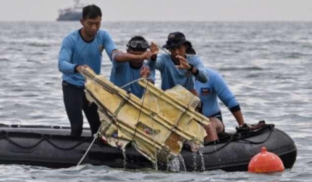 Operaciones de rescate de avión siniestrado en Indonesia