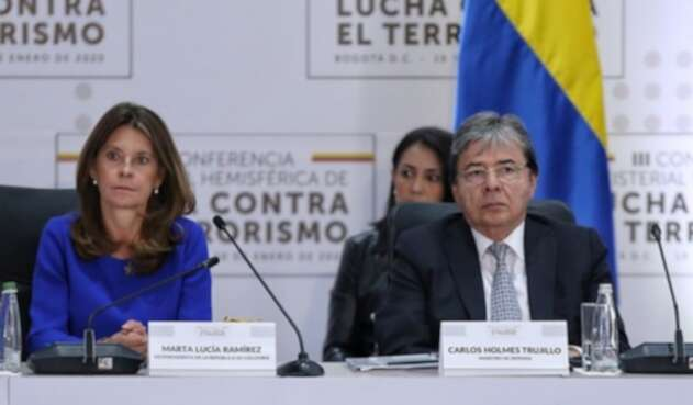 Carlos Holmes Trujillo y Marta Lucía Ramírez