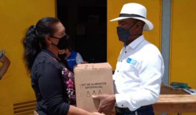 Las familias recibieron las ayudas humanitarias en Caucasia, Antioquia.