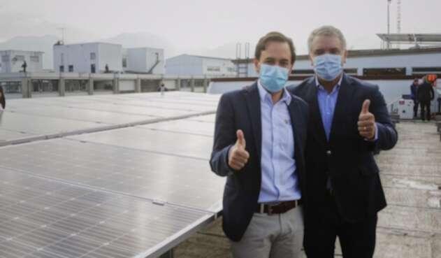 Ministerio de Minas y Energía instala paneles solares para autoabastecerse con energías limpias