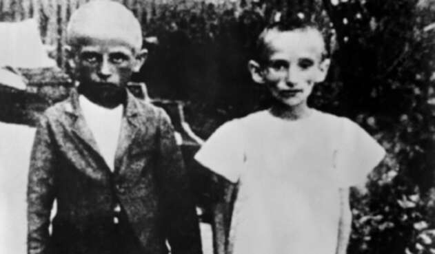 Niños en campamento nazi