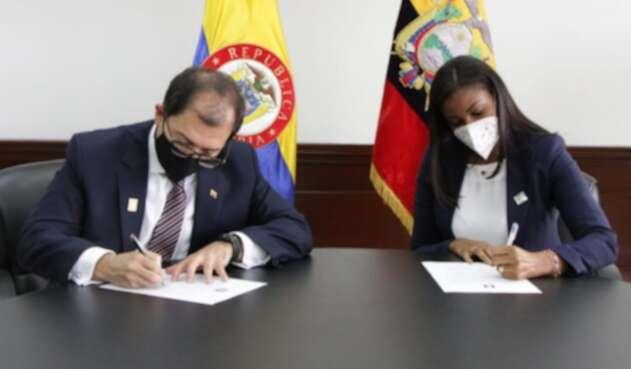 Fiscales de Colombia y Ecuador Uriel ELN