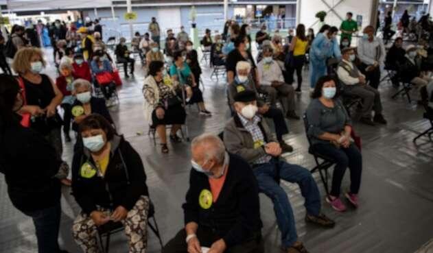 Vacunación contra la covid-19 en Chile