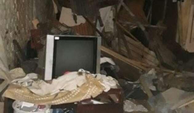 En la vivienda residían aproximadamente 24 personas, se dieron recomendaciones de evacuar.