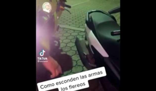 Armas escondidas en motos