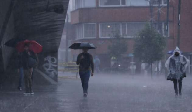 Fuertes lluvias azotan a Bogotá en marzo de 2021