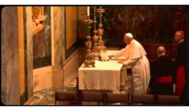 Papa Francisco y el falso truco con el mantel