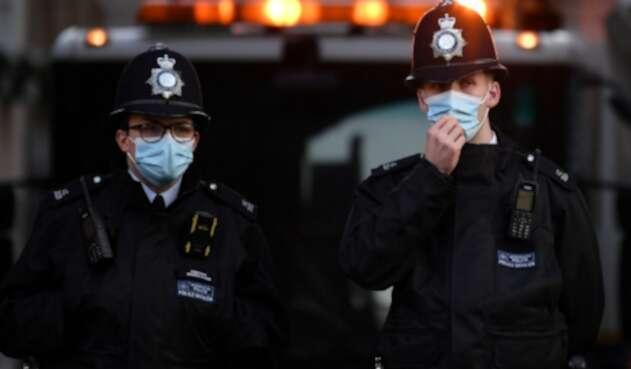 Policías en Reino Unido