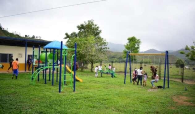 Escuela rural remodelada en Remedios, Antioquia