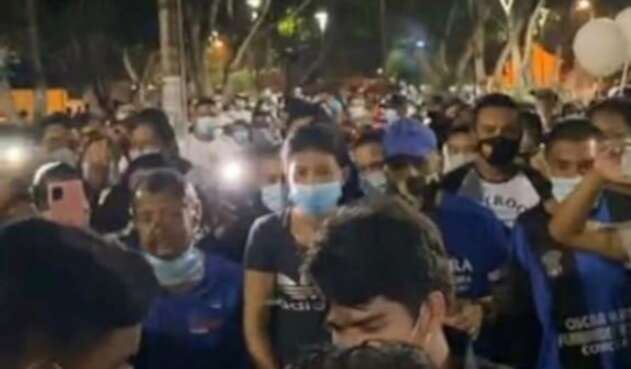 Multitudinaria aglomeración en funeral de reconocido locutor en Galapa (Atlántico)