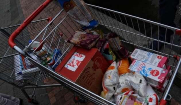 Alimentos de la canasta familiar