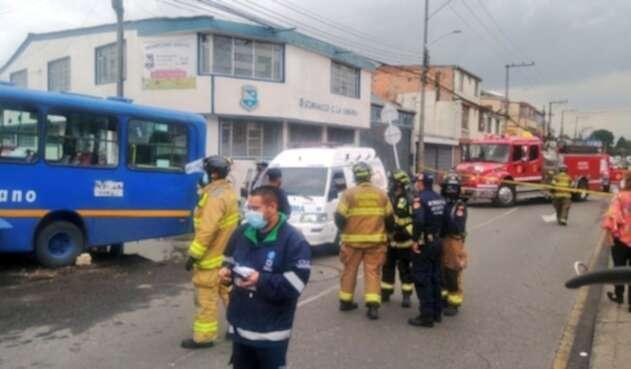 Bus del SITP choca contra una vivienda en Bogotá